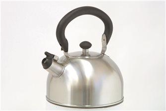 Bouilloire inox induction à sifflet 2,5 litres induction avec anse rabattable